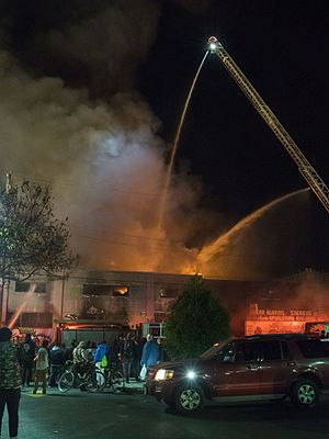 2016 Oakland warehouse fire - Image: Oakland warehouse fire