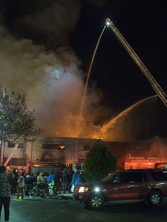 2016 Oakland warehouse fire - Image: Oakland warehouse fire