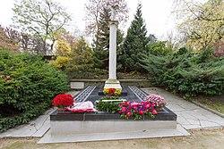 Français: Monument aux volontaires grecs morts pour la France