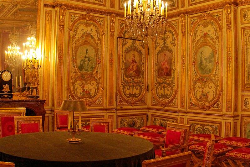 File:Palace of Fontainebleau IMG 3942 DxO (4629571232).jpg
