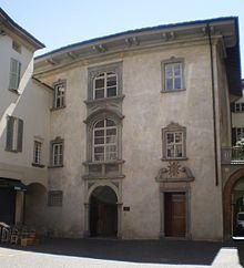 La facciata di Palazzo Sertoli