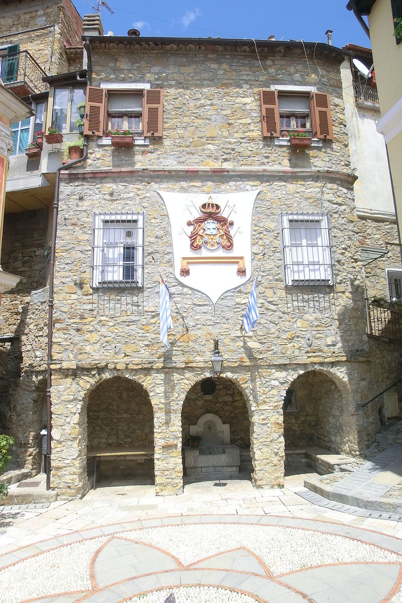 File:Palazzo dei Monaci, sede della Zecca.JPG - Wikimedia ...