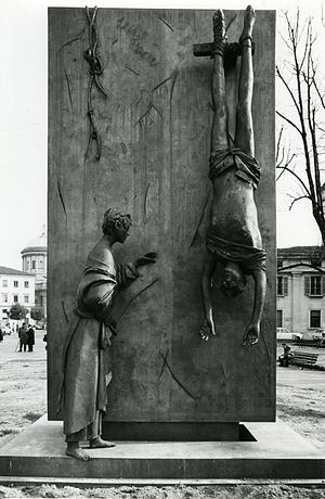 Giacomo Manzù - Monument to the Partisan (1977), Bergamo. Photo by Paolo Monti.