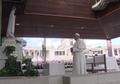 Papa Francisco reza na Capelinha das Aparições (12 de Maio de 2017).png