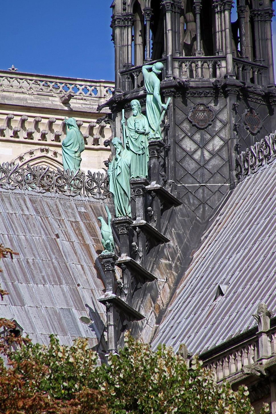 Paris-Notre Dame-136-Figuren am Vierungsturm-2017-gje