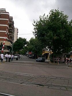 Paso a Nivel, calle Cuenca con FC San Martín, Buenos Aires.jpg