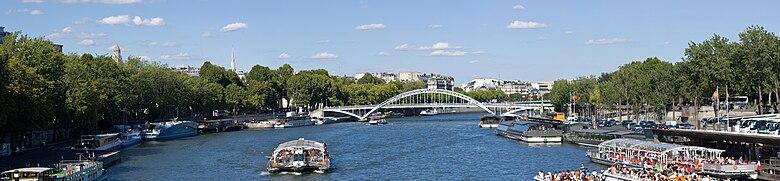 Passerelle Debilly from Pont d'Iéna, Paris, Aug 2010.jpg