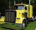 Peterbilt Tractor unit (20244577166).jpg