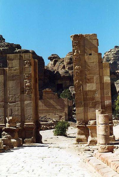Datei:Petra Tempel.jpg