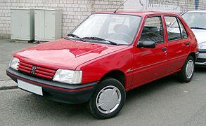 293px-Peugeot_205_front_20080121