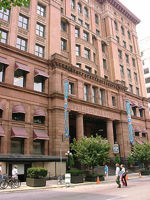 G. W. & W. D. Hewitt - The Philadelphia Bourse Building (1893-95) housed a commodities exchange until the 1960s, and is now used for retail and offices