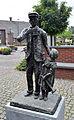 Pintenwipper standbeeld Martinusplein Dommelen.jpg