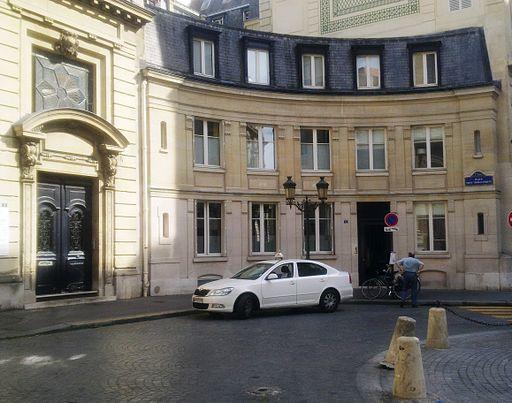 Place Saint-Thomas d'Aquin, Paris