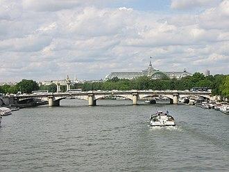 Pont de la Concorde (Paris) - View from the Passerelle Léopold-Sédar-Senghor (formerly Solferino)