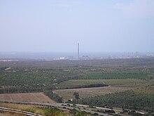 L'area industriale vista da Monte Sirai.