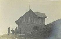 Prešernova koča na Stolu 1913.jpg