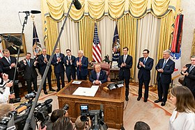 President Trump Delivers a Statement from the Oval Office 04.jpg