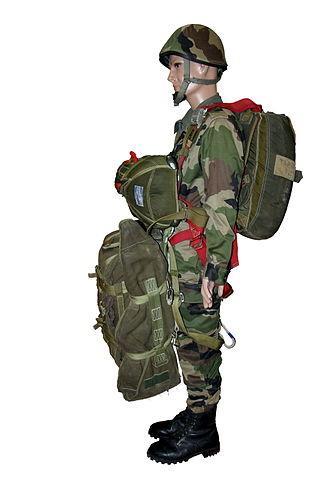 1st Marine Infantry Parachute Regiment - Parachute equipment