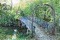 Radziejowice, mostek w parku pałacowym.jpg
