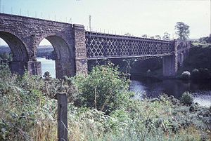 Railway bridge over the Kyle of Sutherland, between Culrain and Invershin stations - geograph.org.uk - 27479.jpg