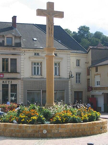File:Ranguevaux - Le Grand Calvaire.jpg