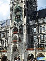 Rathaus-Glockenspiel - Munich (2).JPG