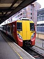 Reading railway station MMB 15 458016.jpg