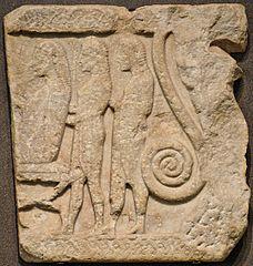 Ανάγλυφο από τη Σαμοθράκη (Μουσείο του Λούβρου, αρ. Ma 697)