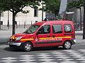 Renault Kangoo SPVL342 des pompiers de Paris.JPG