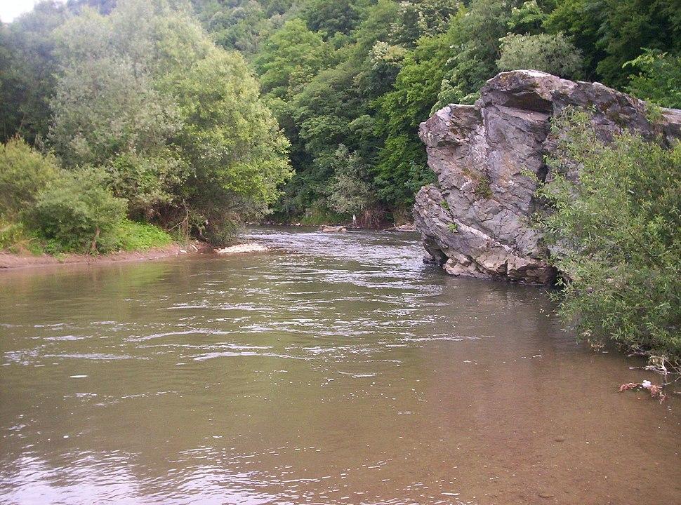 River Vlasina Pukli kamen