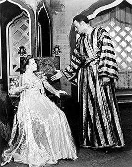 Hagen als Desdemona in Othello, met Paul Robeson in 1943/1944.