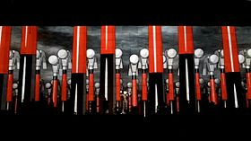 Roger Waters The Wall Live St. Louis 2010 2.jpeg