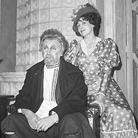 Rolf Berntzen og Karin Simonnæs i teaterstykket Kirsebærhaven (1968) (14657781324).jpg