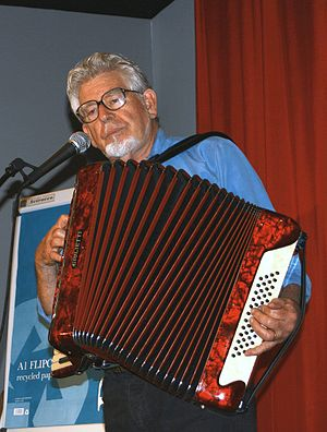 Rolf Harris - Harris playing the accordion in 2008