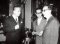 Rosario Asssunto III da sx insieme a Giulio Carlo Argan e Cesare Brandi.png