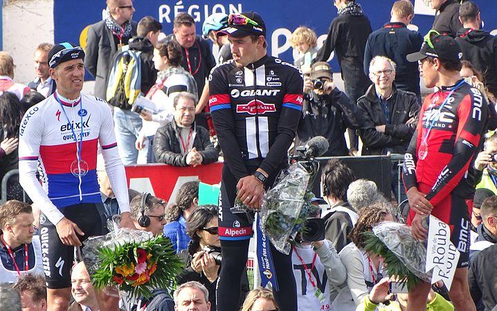 Roubaix - Paris-Roubaix, 12 avril 2015, arrivée (B25).JPG