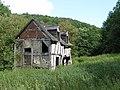 Ruined house near Bear's Wood - geograph.org.uk - 1418868.jpg