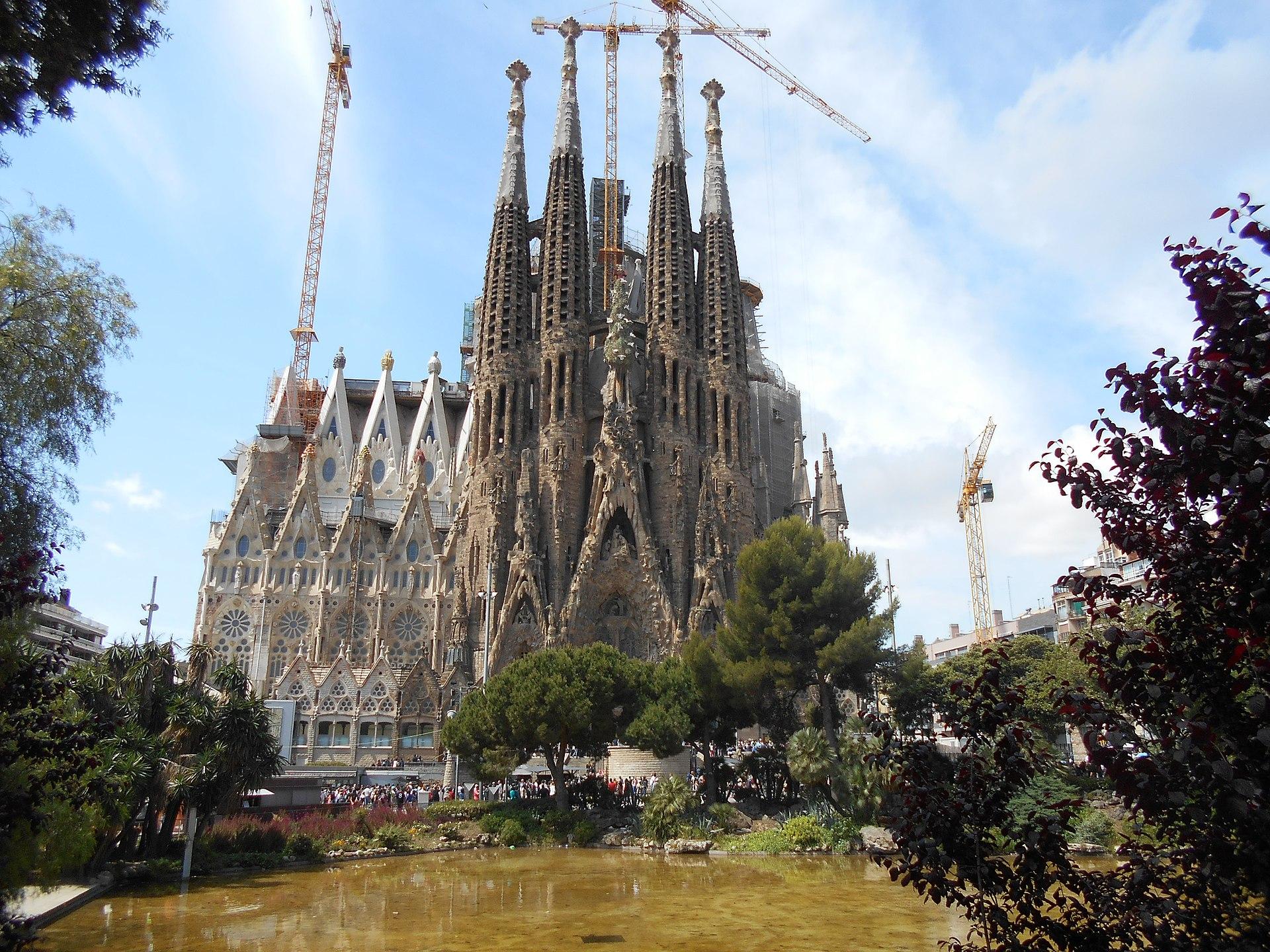 Templo expiatorio de la sagrada familia wikipedia la - Trabajo arquitecto barcelona ...