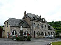 Saint-Bonnet-de-Condat mairie-école.jpg