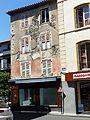 Saint-Flour - Maison - place de la Halle aux Bleds (angle rue Marchande) (pas dans liste) (2-2016) P1040689.jpg