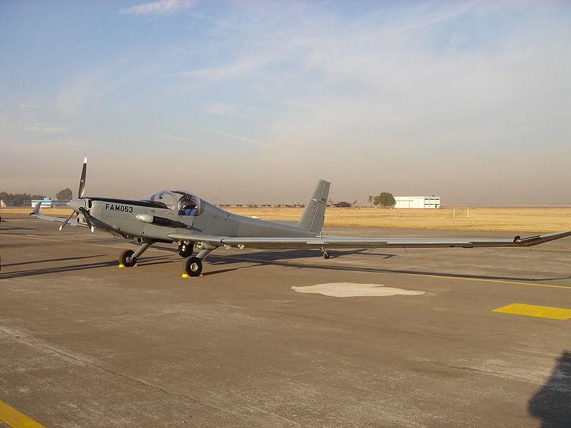 Inventario  de  aeronaves de  la  FAM  ( actualizado 23 Febrero 2016 ) 800px-Schweizer_SA2-37B