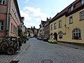 Seßlach Straßenpartie mit Turm.jpg