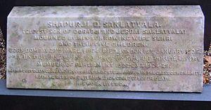 Shapurji Saklatvala - Memorial to Shapurji Saklatvala on his mother's tomb in Brookwood Cemetery