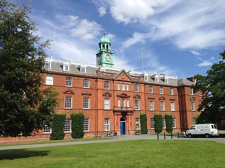 The school's main building, a former workhouse, on the Kingsland site, to which the school moved in 1882. Shrewsbury School 1.JPG