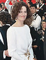 Sigourney Weaver 1989 Academy Awards (cropped).jpg