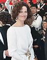 Sigourney Weaver 1989 Academy Awards (cropped).jpg