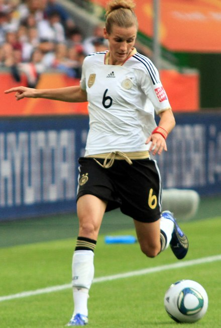 Laudehr playing for Germany in 2011. Simone Laudehr in 2011.JPG