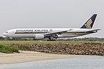 Singapore Airlines (9V-SRO) Boeing 777-212(ER) at Sydney Airport.jpg