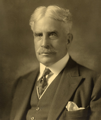 Sir Robert Laird Borden, 1915.png
