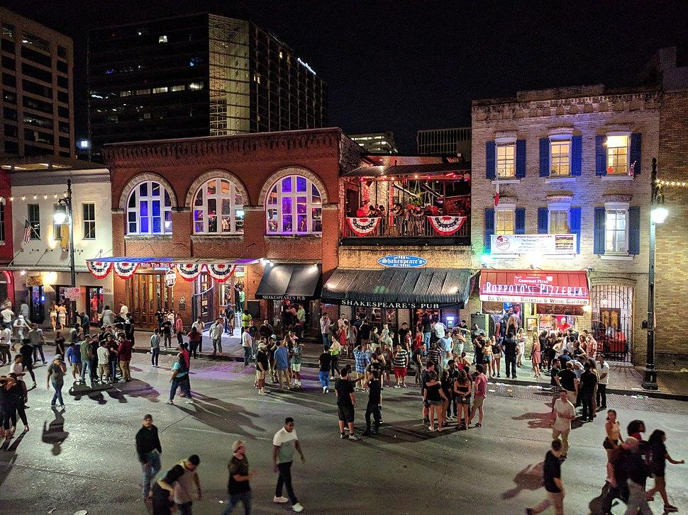 Sixth Street (Austin) at night